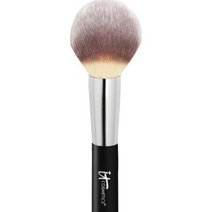 It cosmetics heavenly Lux wand ball number 8 brush